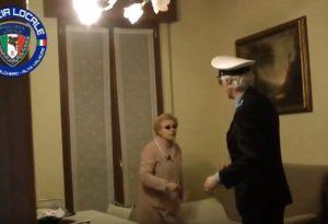 Cittadini diventano attori per combattere le truffe agli anziani