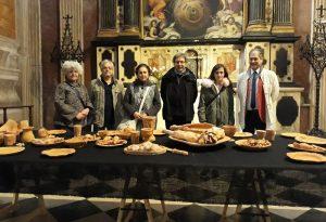 Ultima Cena in terracotta realizzata dagli allievi dell'istituto d'arte Gazzola