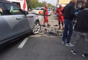 Ciclista investito da un suv a La Verza: è grave, disposto il trasporto a Parma in eliambulanza