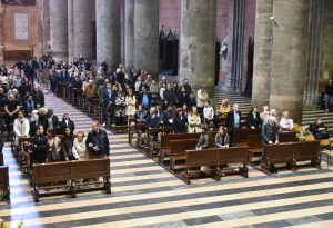 Pasqua, il vescovo Ambrosio celebra la messa in Duomo a Piacenza e a Bobbio. FOTO