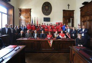 """Cresce la """"febbre"""" del Piace: Palazzo Mercanti omaggia i biancorossi"""