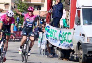 Sofia Collinelli regala la prima vittoria 2019 al VO2 Team Pink