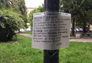 """""""Polpette avvelenate nei giardini di via Beverora"""": l'allarme tappezza tutta la zona"""