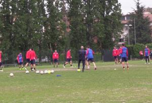 Ultimo allenamento per i biancorossi, nel primo pomeriggio la partenza per Siena: Piace, è la grande vigilia