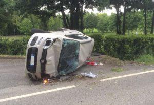 Scontro sulla via Emilia a Pontenure, auto ribaltata. Un ferito lieve