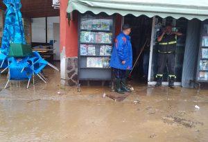 Ondata di pioggia, allagamenti in Valtidone. Strade chiuse e famiglie isolate FOTO E VIDEO