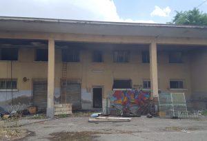 Ex mercato ortofrutticolo e Berzolla a fuoco. Tre incendi in pochi minuti spenti dai pompieri