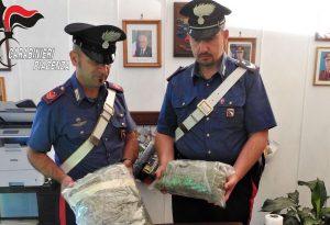 Aveva in casa 1 chilo e 600 grammi di marijuana, arrestato giovane sudamericano