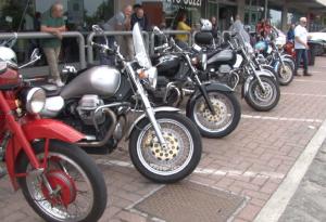 Passione Moto Guzzi: oltre 150 appassionati al primo raduno provinciale