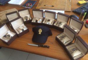 Chiedeva anche mille euro per orologi di scarso valore: denunciato