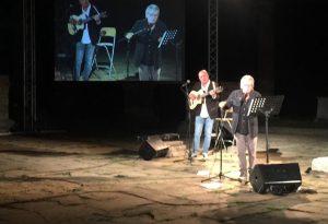 Paolo Rossi e la sua Maga Circe fanno il pieno di applausi a Veleia Romana