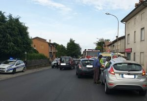 Schianto sulla 45 a Niviano: una donna d'urgenza all'ospedale