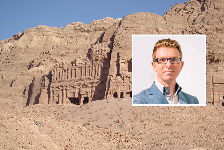 Gli crolla un masso in testa a Petra: muore turista italiano