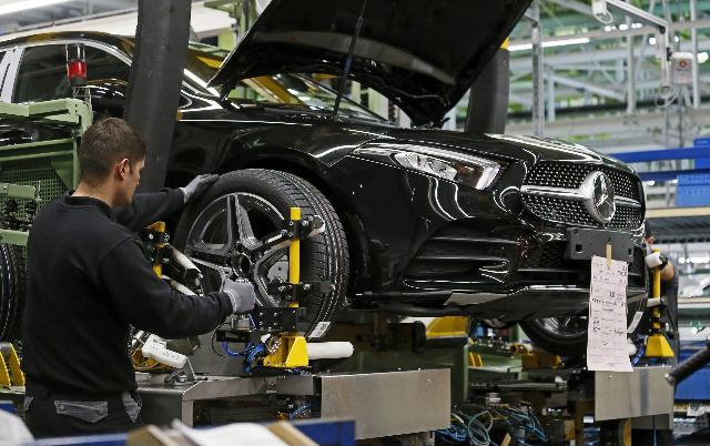 Crollo record della produzione industriale in Germania, -17,9%