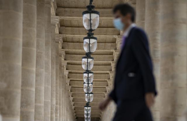 Covid, in Francia oltre 10mila casi in 24 ore